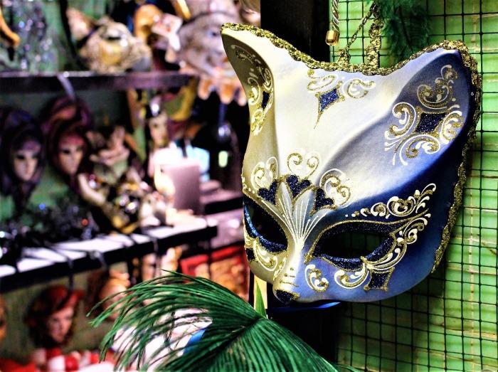 mask-2934152_1920